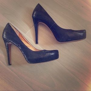 BCBGeneration Black Pumps!